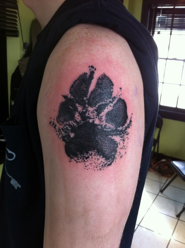 dotwork pawprint